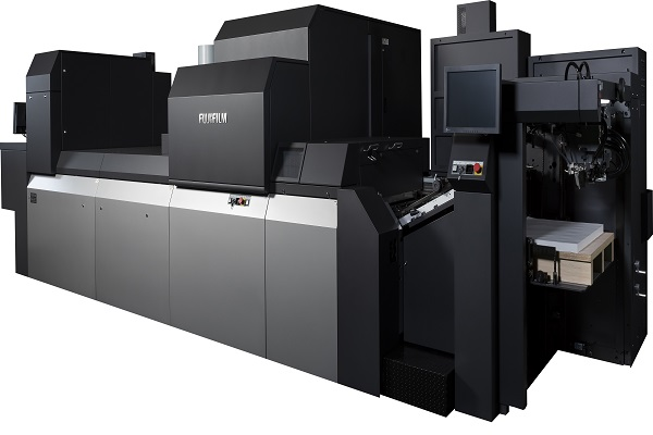 Fujifilm lanza la nueva Jet Press 750S, una prensa digital inkjet formato B2 y de alimentación por pliegos